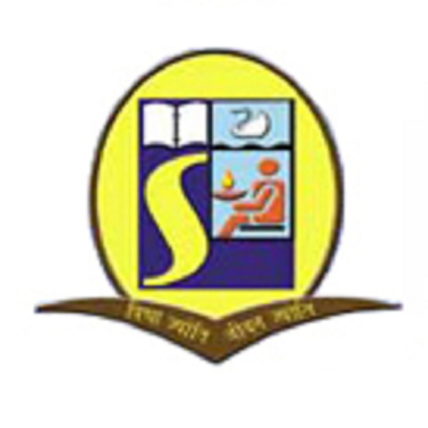 Lakes International School